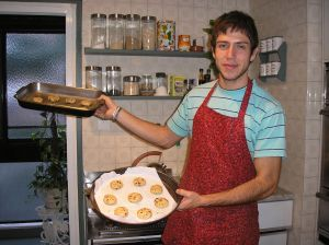 juanpablo with cookies